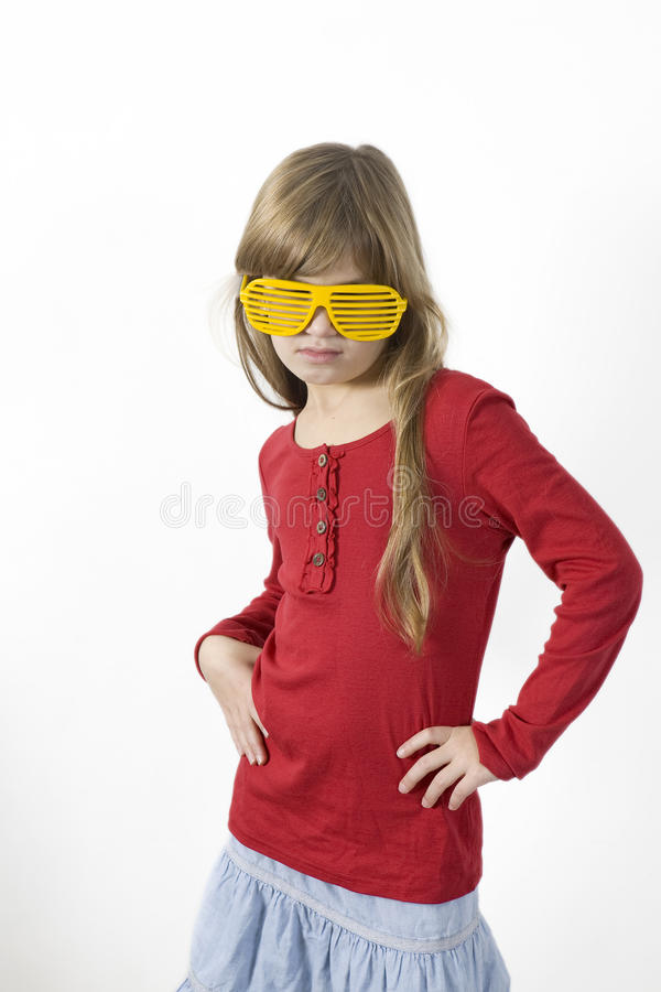 Lustiges Mädchen in den Zaubergläsern stockfotos