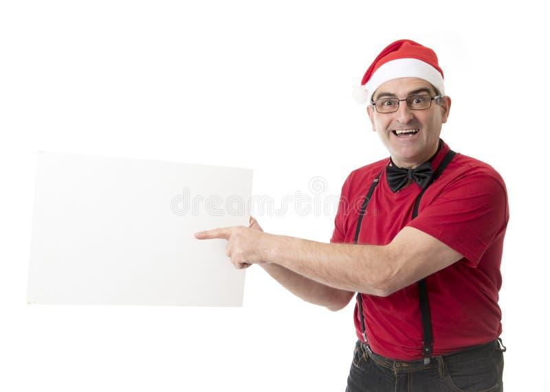 Lustiges 40s zum verrückten Mann der Verkäufe 50s in Santa Christmas-Hut mit BO stockbild