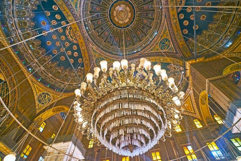 Lustre de cru dans la mosquée d'albâtre de la citadelle du Caire, Egypte photo stock