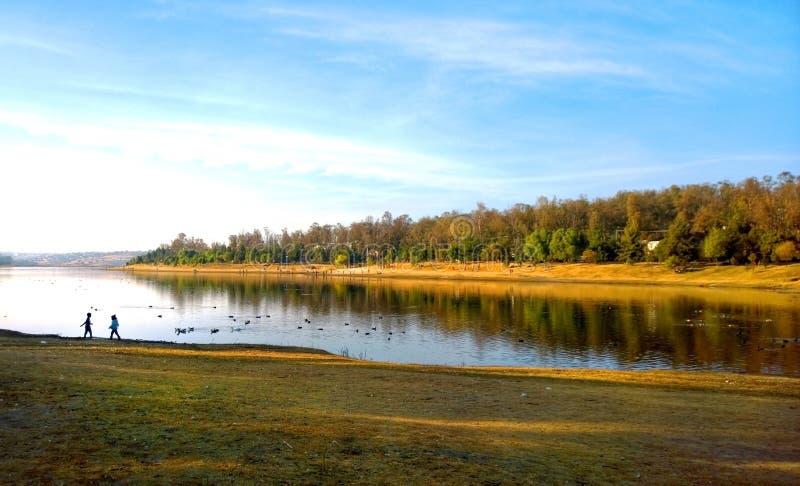 Lustrzani jeziorni wspominki zdjęcia royalty free