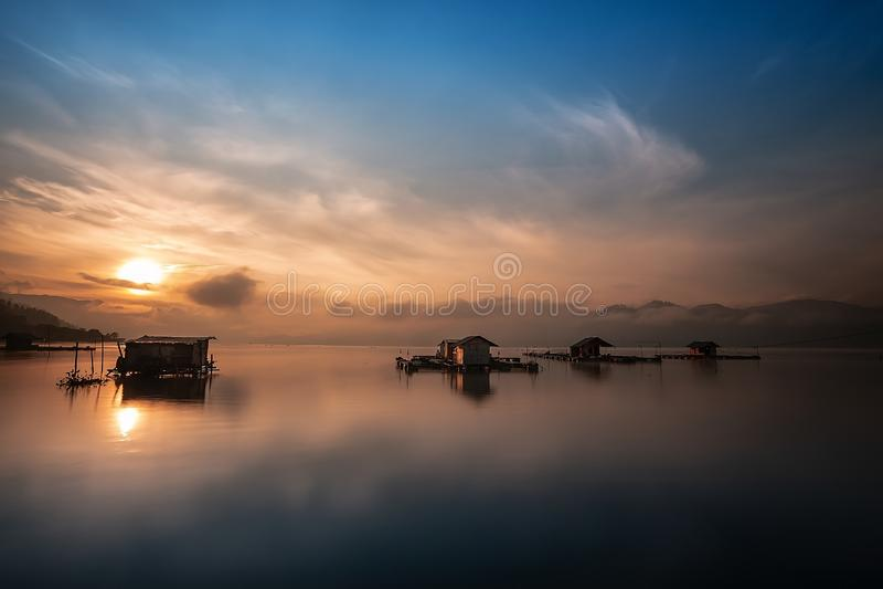 Lut Tawar Lake por la mañana fotos de archivo