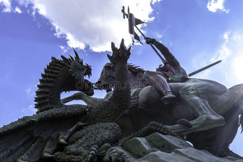 Luta do St Georges contra o dragão em Berlin Germany September 2017 imagem de stock royalty free