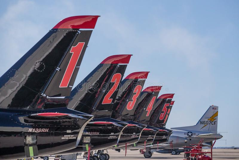 Lutador Jet Group de Airshow na terra foto de stock