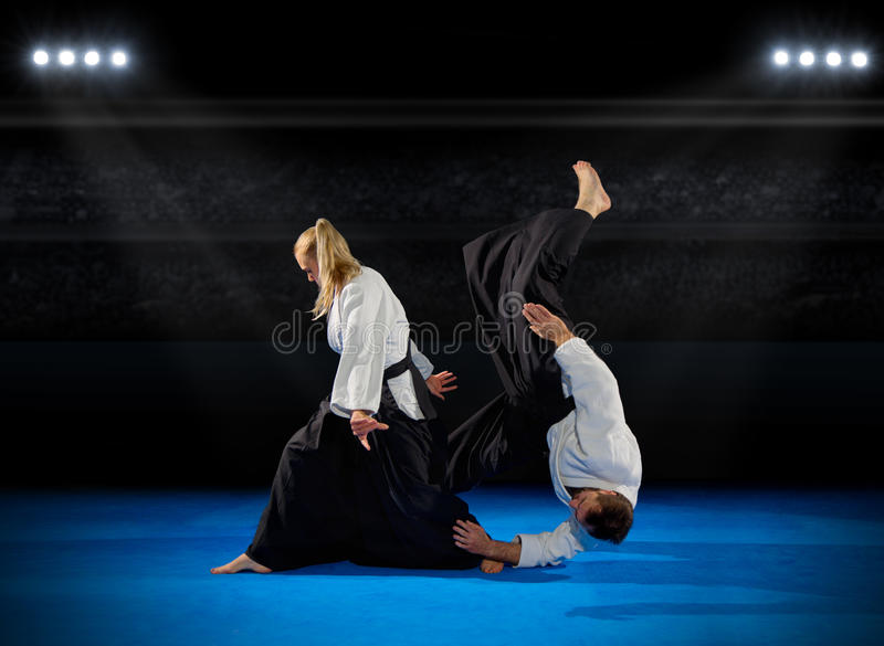 Lutadores das artes marciais foto de stock