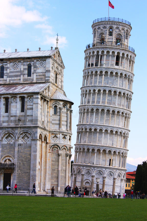 Lutande torn av Pisa arkivbilder
