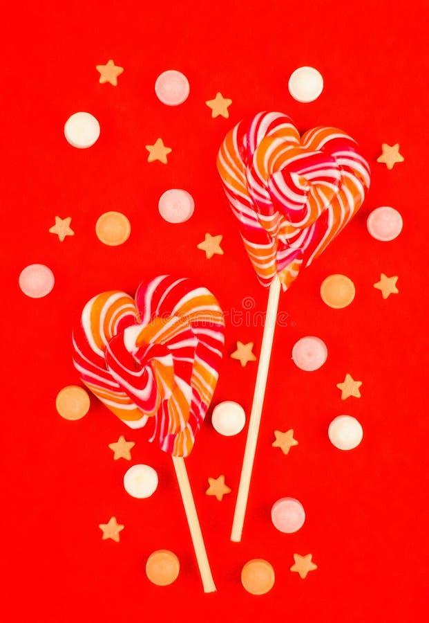 Lutscher in Form von Herzen Süßigkeiten lizenzfreies stockfoto