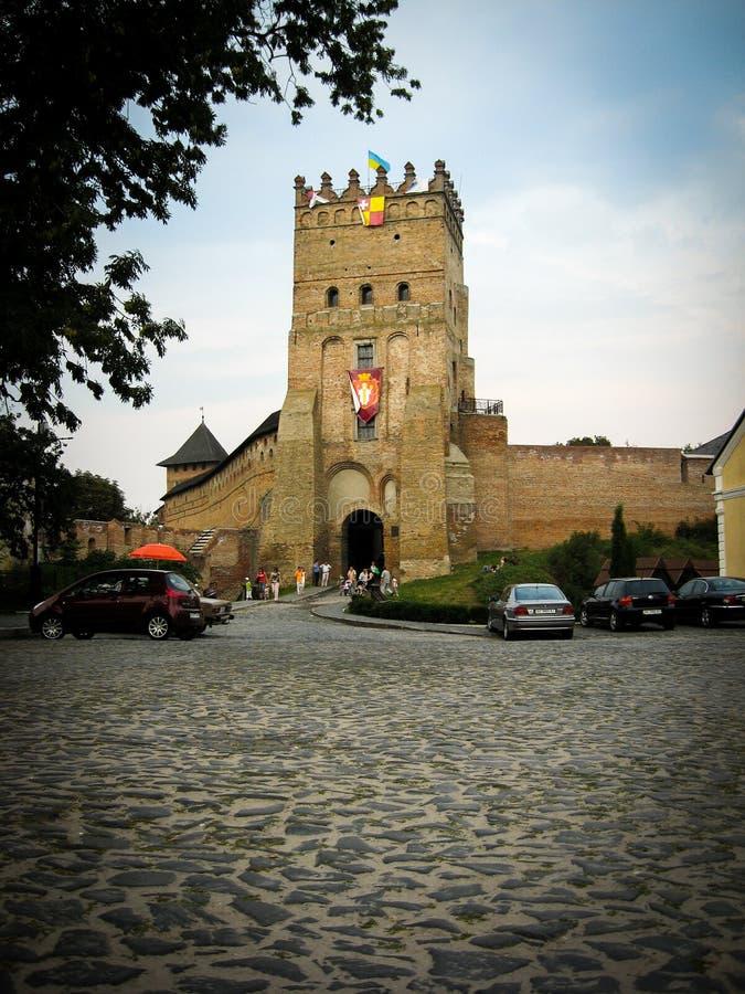 Lutsk, Ucrania - 23 de agosto de 2008: Torre del castillo de Lutsk fotos de archivo