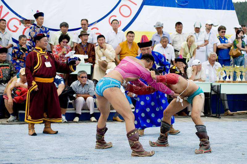 Lutteurs mongols images stock