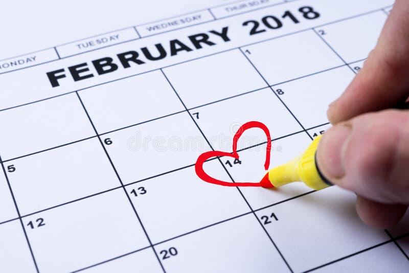 Luty 14, 2018 na kalendarzu, walentynki ` s dzień, serce od czerwieni czującej zdjęcia royalty free