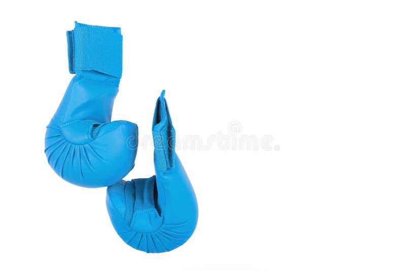 Luvas azuis para lutar no fundo branco fotografia de stock royalty free