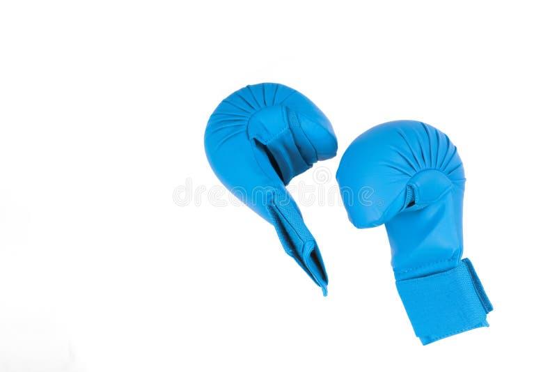 Luvas azuis para lutar no fundo branco fotografia de stock