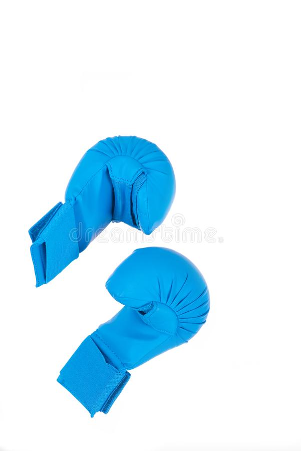 Luvas azuis para lutar no fundo branco imagens de stock