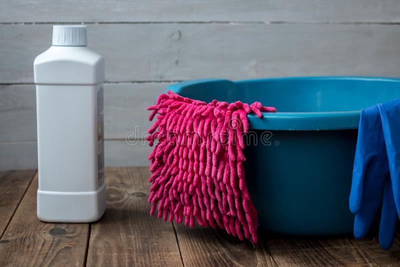 Luvas para o limpador de limpeza de pano de pano da lavagem imagem de stock