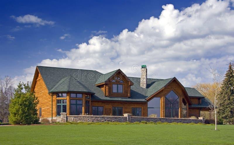 luxe à la maison de logarithme naturel de cabine image libre de droits