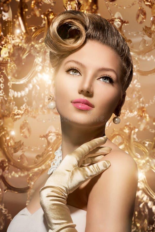 Luxe Gestileerde Schoonheid Dame Portrait stock afbeeldingen