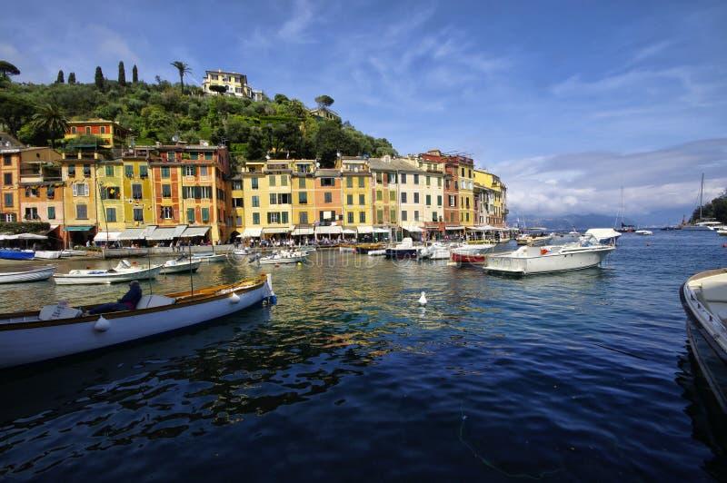 Luxeboten in de haven van Portofino Het gebied van Ligurië, royalty-vrije stock afbeelding