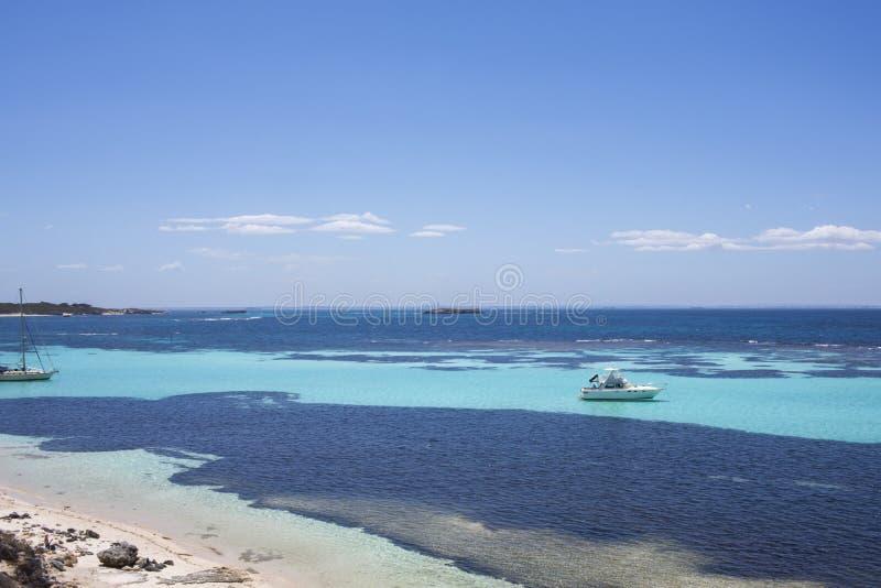 Luxejacht bij Rottnest-Eiland, Westelijk Australië, Australië royalty-vrije stock foto's