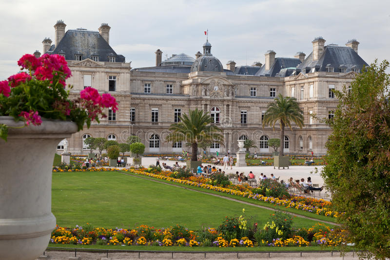 Download Luxembourg Gardens editorial photography. Image of building - 24180827