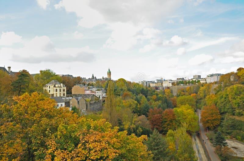 Luxembourg stad i höst royaltyfria foton
