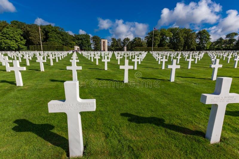 LUXEMBURG - 8 augustus, 2014 - wordt meer dan 5.000 Amerikanen begraven in de Amerikaanse Begraafplaats van Luxemburg die in 1960 stock fotografie