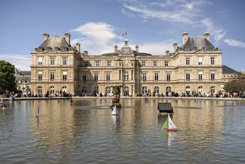Luxemburg-Palast in Paris stockfotos