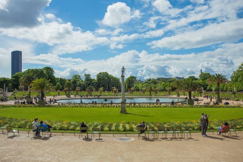 Luxemburgo jardina (Jardin du Luxemburgo) em Paris foto de stock