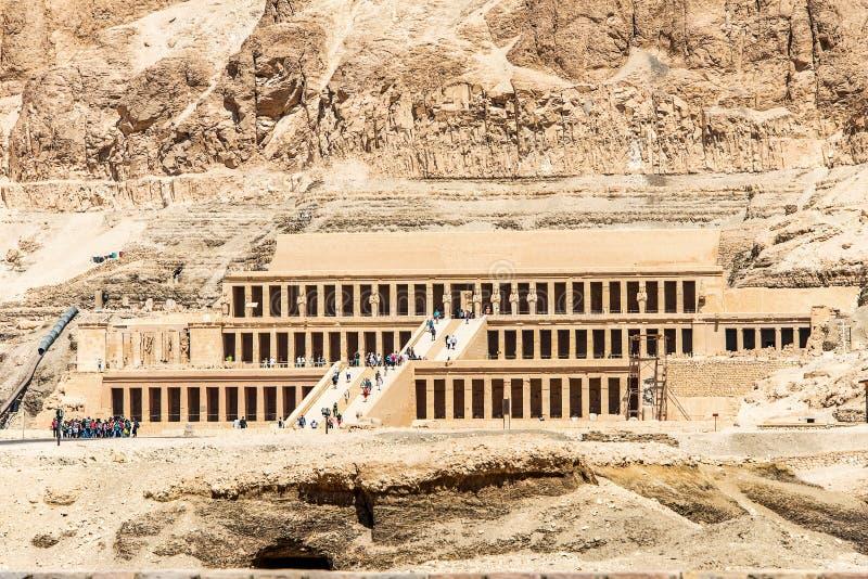 Luxor Egitto 18 05 2018 il tempio antico del pharao femminile Hatchepsut vicino a Luxor nell'Egitto fotografia stock