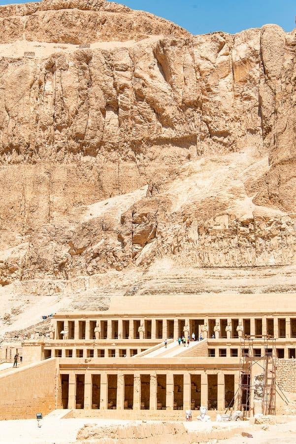 Luxor ?gypten 18 05 2018 der antike Tempel des weiblichen pharao Hatchepsut nahe Luxor in ?gypten stockfoto