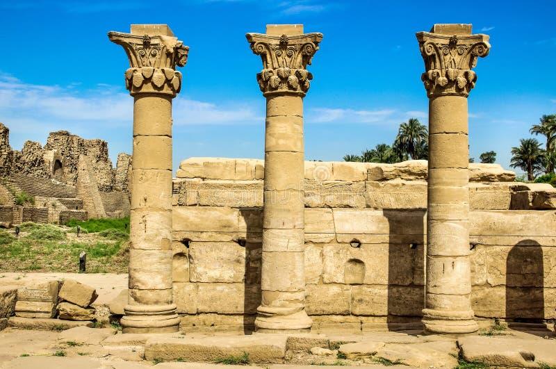 Luxor, Karnak-Complexe Tempel kolom Egypte de oude bouw, Einderuïnes, pijlers royalty-vrije stock fotografie