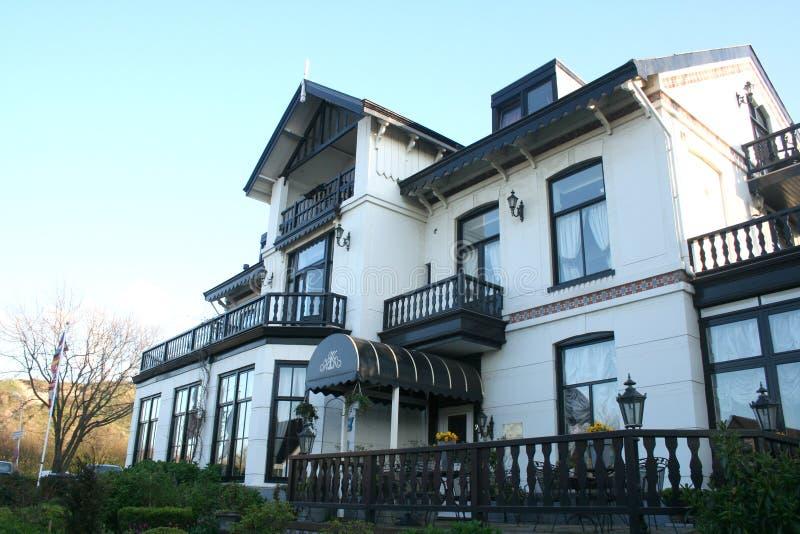Luxuary hotell i Wijk aan Zee arkivfoton