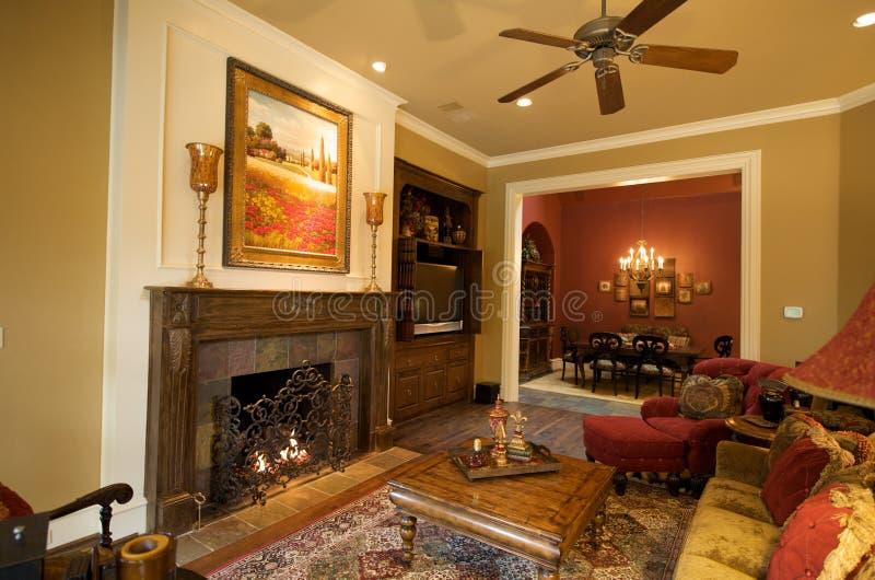 Luxueus huis 's woonkamer royalty-vrije stock afbeeldingen