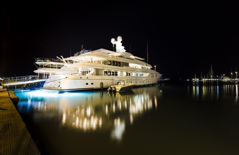 Luxueus modern jacht royalty-vrije stock foto