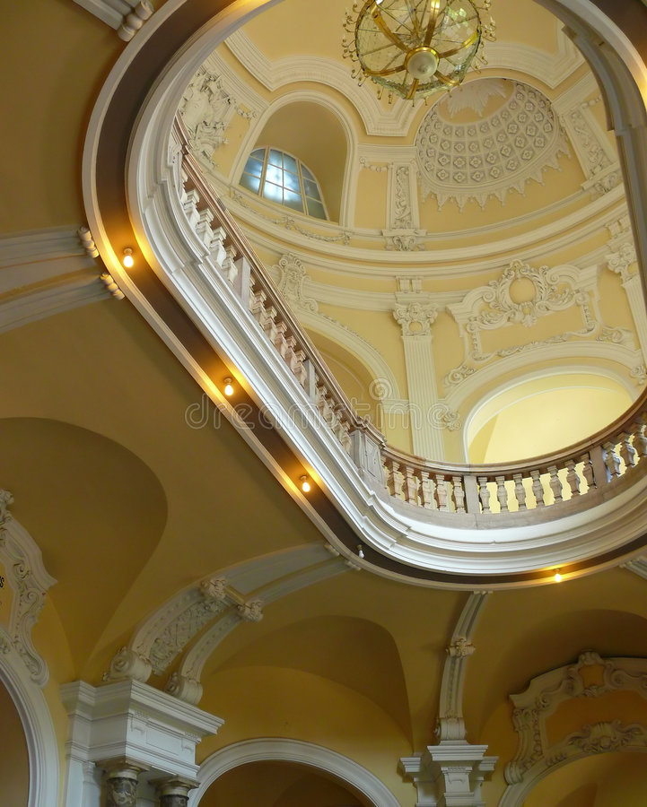 Luxueus paleisplafond royalty-vrije stock fotografie