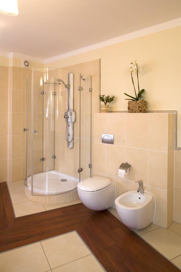 luxueux intérieur de salle de bains photographie stock libre de droits
