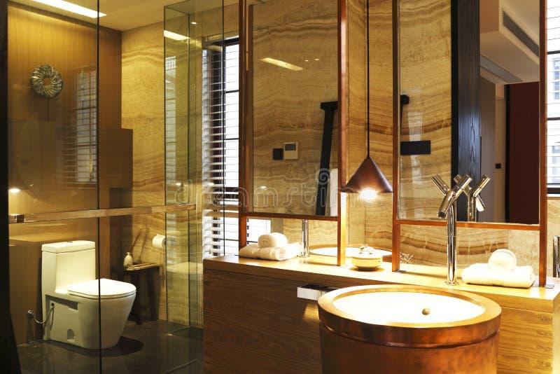 Luxueuze Badkamers stock foto. Afbeelding bestaande uit flat - 52445202