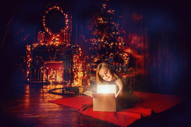 Luxueuze flat bij Kerstmis stock afbeeldingen