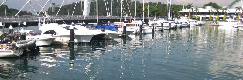 Luxueuze Jachten bij Jachthaven stock foto