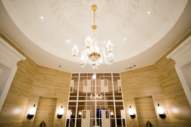 Luxueuze ruimte en plafond royalty-vrije stock foto