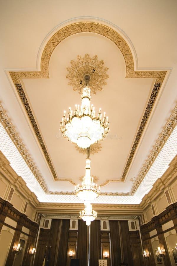 Luxueuze ruimte en plafond royalty-vrije stock afbeelding