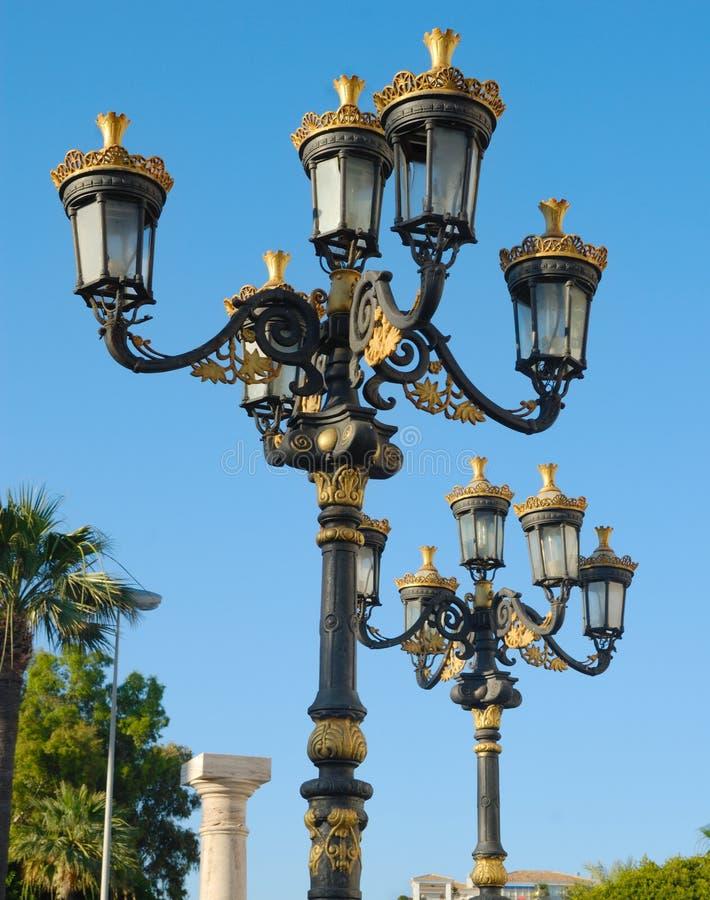 Luxueuze straatlantaarns stock afbeelding