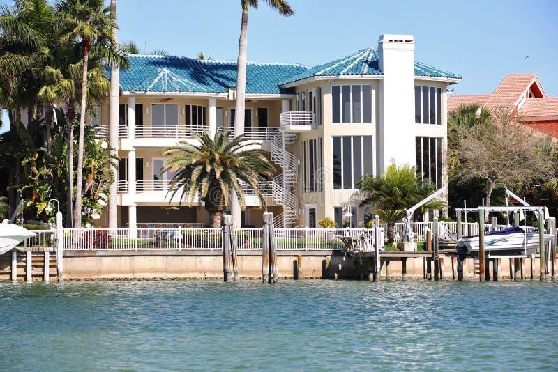 Luxuriöse Häuser. lizenzfreies stockfoto
