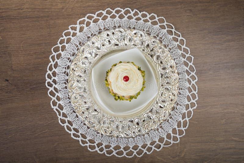Luxuriöser Nachtischkuchen lizenzfreie stockfotos