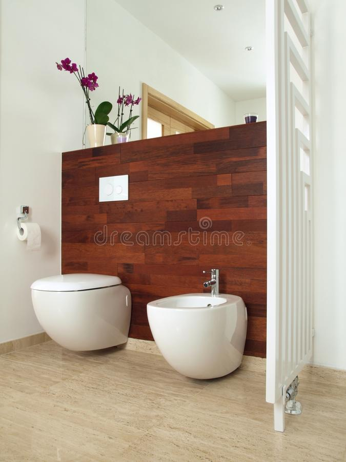 Luxuriöses Badezimmer lizenzfreies stockbild