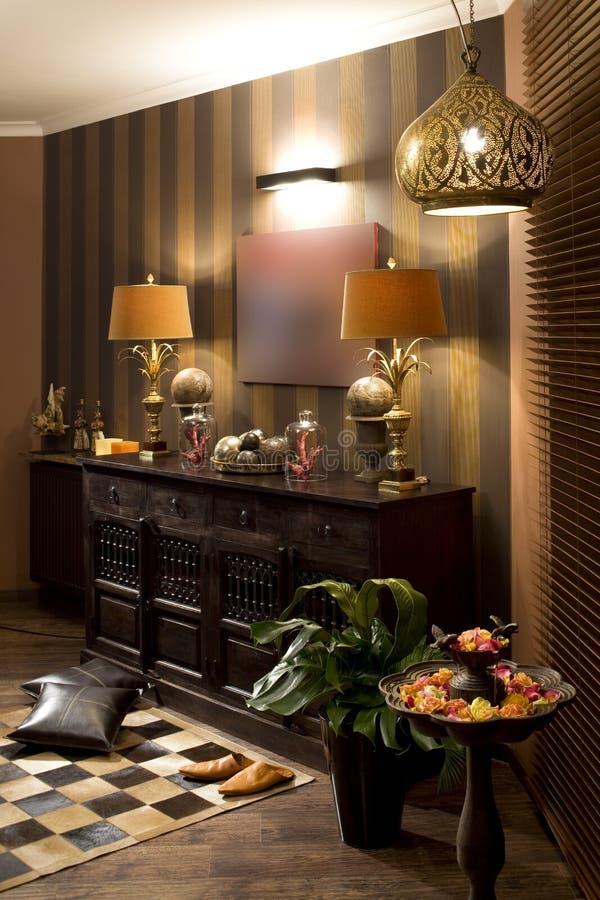 Luxuriöses modernes Wohnzimmer lizenzfreies stockfoto
