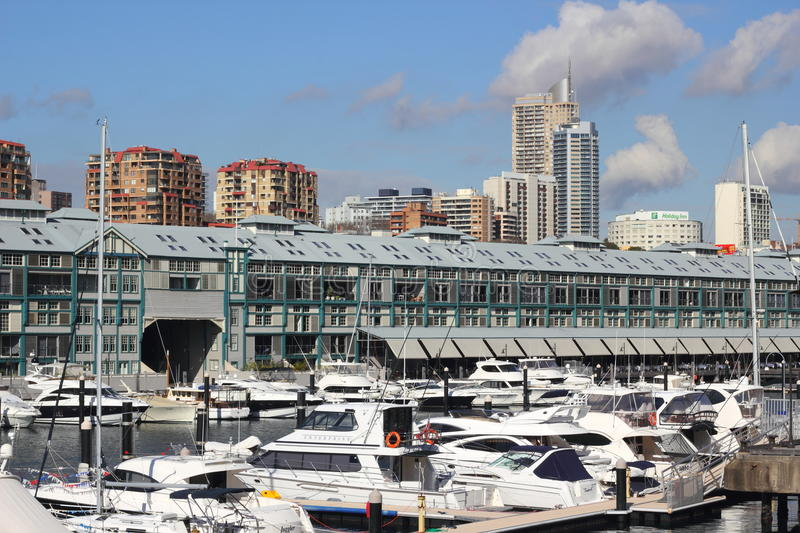 Download Luxury Apartments And Yachts Editorial Stock Image - Image of harbour, australia: 20133759