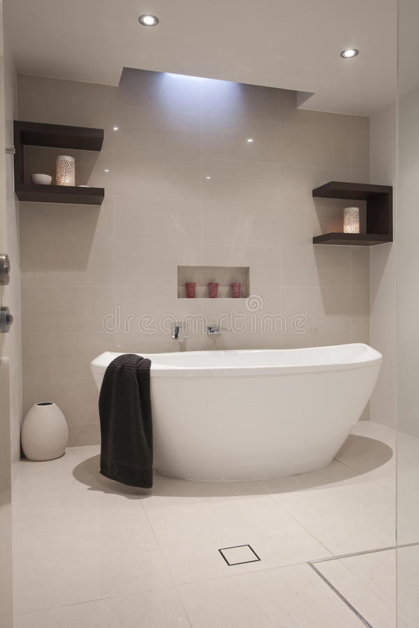 Download Luxury Bathroom Royalty Free Stock Photos - Image: 21661888