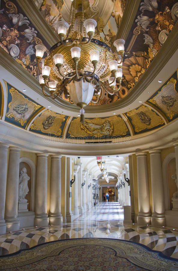 Free Luxury Classic Colonnade Corridor Stock Photo - 9697790