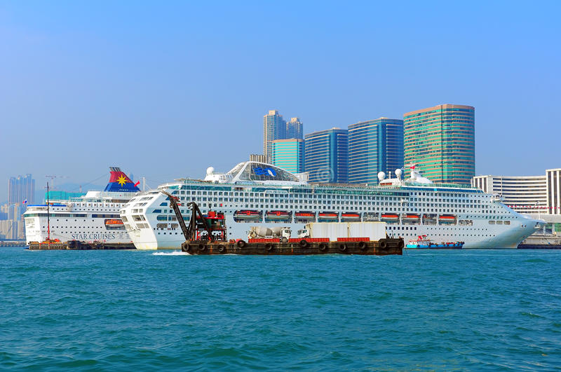 Download Luxury Cruises In Hong Kong Editorial Stock Photo - Image: 27695143