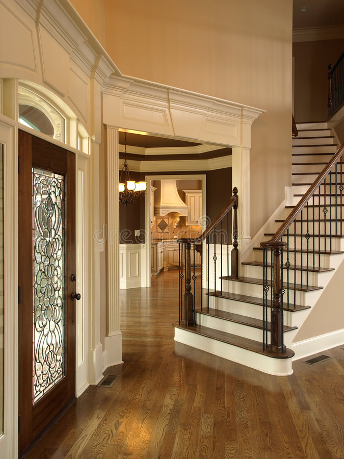 Free Luxury Foyer With Glass Door 3 Royalty Free Stock Photography - 4944477