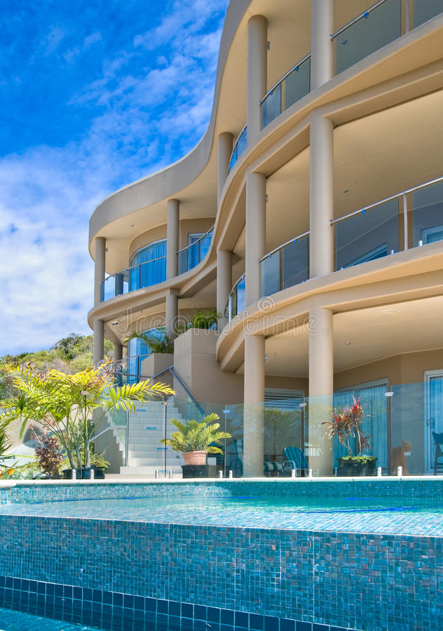 Free Luxury Home With Pool Stock Image - 10372111